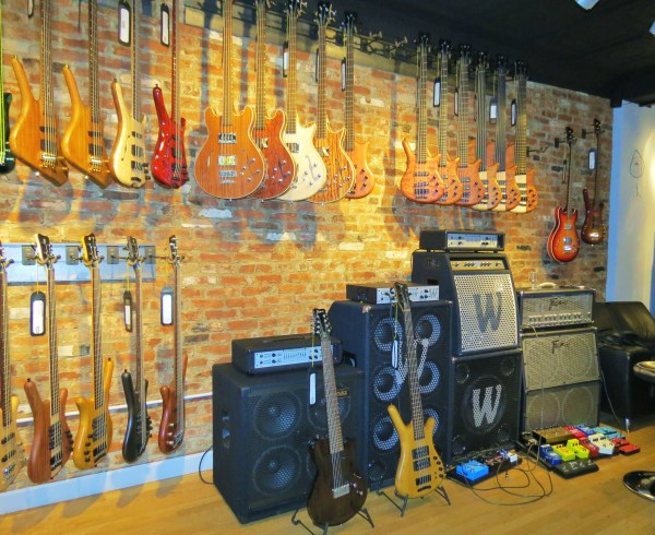Amps and basses at the side 01