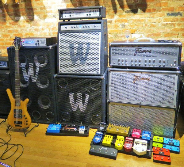 Amps and basses at the side 02