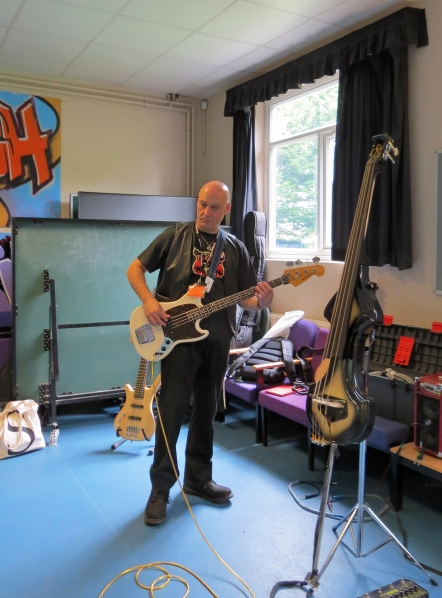 happy-jack-with-fender-mustang