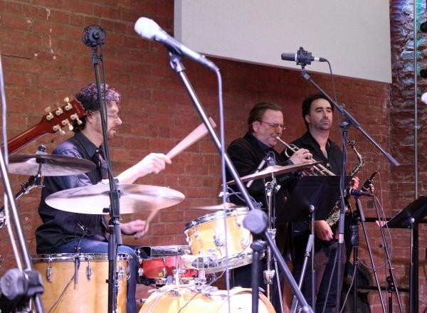 Band (8)