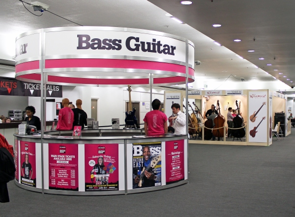 Bass Guitar Magazine stand